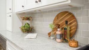 How-to-Paint-Your-Tile-Backsplash